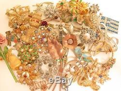 40pcs Vintage Rhinestone Figural Flowers Brooch Jewelry LotTrifariSarah F521