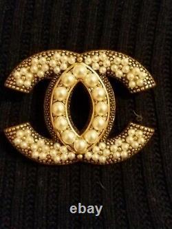 CHANEL gold color CC logo Vintage Brooch artificial pearls