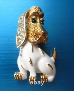 Fabulous 60's Vintage Crown Trifari Figural Dog White Enamel Gold Tone Brooch