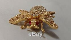 Fabulous Vintage Signed CINER Gold Tone Rhinestone-Studded Bumblebee Brooch