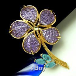 Gorgeous Vintage Trifari TM Daisy Flower Brooch Acrylic Waffle Petals Purple