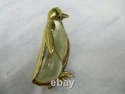 Lucite Jelly Belly Vintage Crown Trifari Brooch Pin Penguin