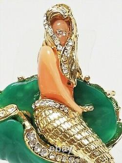 Vintage Carved Molded Lucite Figural Mermaid Clam Shell Rhinestone Brooch Bk Pc