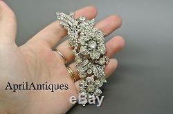Vintage Crown Trifari Diamante Clear rhinestones Trembler Flower Clip Brooch
