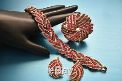 Vintage Crown Trifari Pink Purple Fuschia Cavalcade Bracelet Brooch Earrings Set