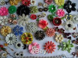 Vintage ENAMEL flower power 70pc. Brooch Jewelry LOT Rhinestones+