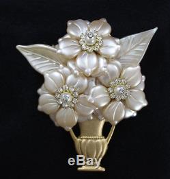 Vintage STANLEY HAGLER NYC Gold Rhinestone Pearl FLOWER BOUQUET in Vase Brooch