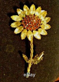 Vintage Weiss Pin Brooch Sparkling Rhinestone Floral Flower Signed Weiss