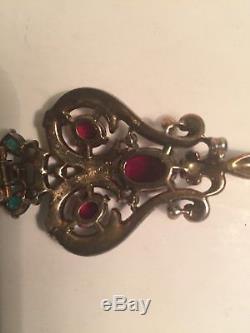 Vintage-crown-trifari-pat-pend-red-green-rhinestones-fur-clip-brooch-clip