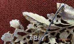 Vtg Crowned Trifari Signed Baby Tooth Teeth Pearl & Rhinestone Floral Brooch Pin